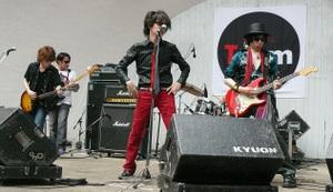 2010moderndollz5